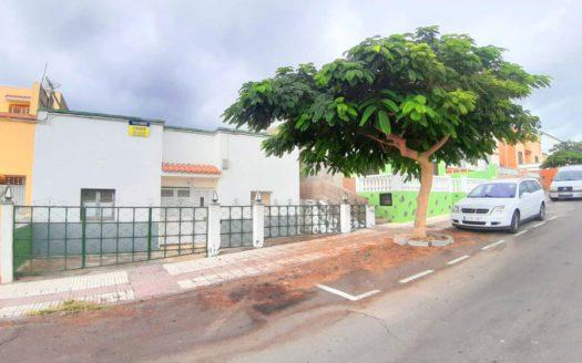 Casa terrera con terrenito en la zona de Fátima