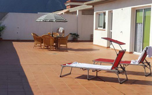 Se alquila bonito apartamento ático con terraza de 350 m2 y vivienda 160 m2 en una sola planta.