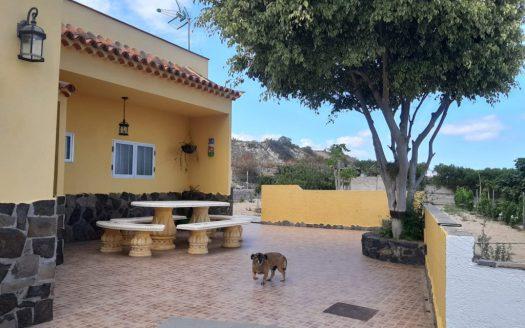 Se vende fantástica casa con terreno en Lomo de Mena, Güímar