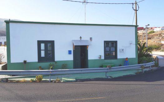 Fantástica casa con 2 terrenos en Lomo de Mena, Güímar