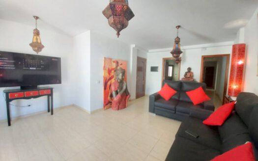 Se vende bonito piso nuevo en el centro de Güímar