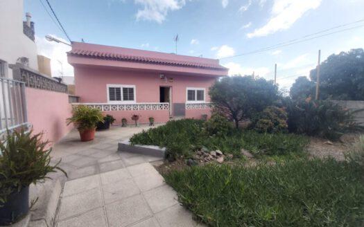 Se vende en Güímar casa terrera con terreno